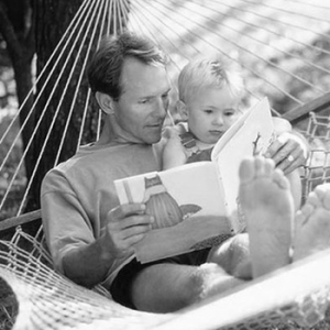 How reading with your toddler makes a big difference to their school years